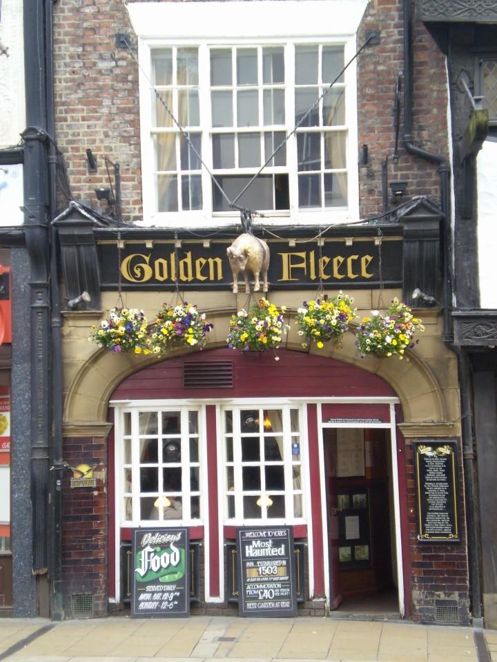 Golden_Fleece_Inn_York.JPG